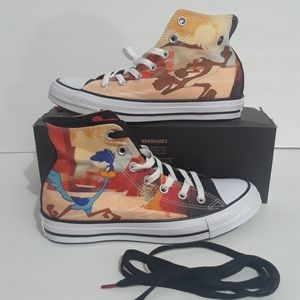 Looney Tunes x Chuck Taylor All Star Converse
